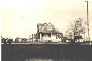 Picture of a house in Deer Park, Ohio in the early years.